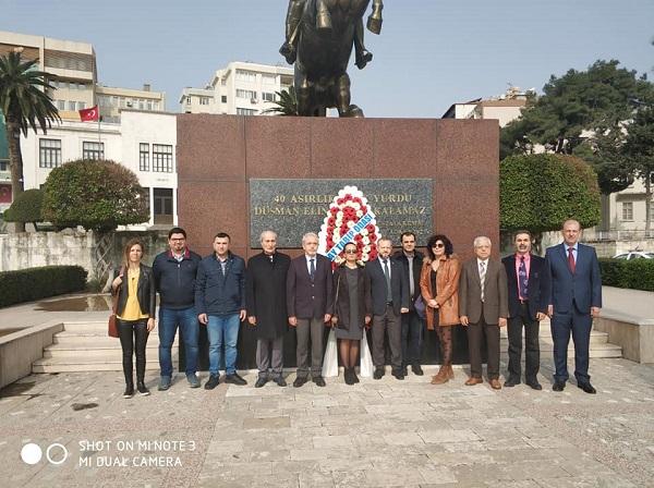 14 Mart Törenini Atatürk Anıtının önünde  Gerçekleştirdik.